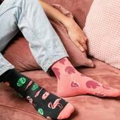 Bo kochamy flamingi! 🦩 Dobrego weekendu! . . . . #moresocks #more #skarpetki #flamingi #flamingo #mismatchedsocks #mismatched #niedopary #chlopak #weekend #chillout #helloweekend