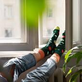 Weekendowy chill 👌🏻 . . . . #helloweekend #weekend #sobota #skarpetki #skarpetkimore #moresocks #socks #koloroweskarpetki #dlaniej #nogi #legs #jeans #homejungle #home