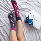 Cześć! Dziś możemy Wam śmiało donieść, że w naszym sklepie pojawiły się nowe skarpetki! Dwa nowe wzory to dwa sposoby noszenia! Jesteśmy ciekawi, który wybierzecie? 🙌🏻 . . . . #moresocks #more #skarpetki #mismatched #niedopary #mismatchedsocks #nogi #hello #dziewczyna #dodatki #pieski #kotki #cats #dogs #cotton #color #funny