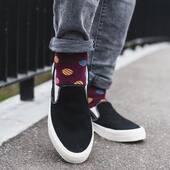 Nie zapominajcie o naszych skarpetkach z serii casual 🙌🏻 Za niedługo pojawią się nowe wzory! . . . . #moresocks #socks #skarpetki #casuallook #style #man #facet #chlopak #nogi #stopy #productdesign #jeans