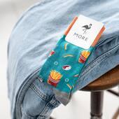 Dzisiaj frytki, bo przecież mamy piątek i czas wrzucić na luz 🙌🏻 . . . . #moresocks #morefashion #skarpetkimore #more #koloroweskarpetki #socks #socksgirl #socksboy #unisex #luz #piatek #friday #frytki #fries #productdesign #productphotography #flatlaytoday #shoponline #fastfood #cola #jeans