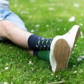 Zielono mi! 🍀 . . . . #wakacje #lato #summer #summervibes #skarpetki #socks #mismatchedsocks #he #instaboy #chill #shoes #buty #jeans #casuallook #moresocks