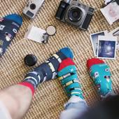 Fajnie jest dzielić wspólne zainteresowania i fajnie jest też nosić te same skarpetki 🙌🏻 A żeby się nie myliły, to można wybrać różne kolory 😉 . . . . #couple #couplephotography #skarpetki #moresocks #more #socks #ilovesocks #mismatchedsocks #photographer #fotografia #pasja #hobby #razemnajlepiej #love #friends #madewithlove #picoftheday