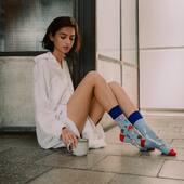 Weekend już za rogiem, tymczasem złapcie rano chwilę dla siebie i do dzieła 🙌🏻 . . . . #hello #czesc #morning #morningvibes #skarpetki #socks #mismatch #coffeelover #mismatchedsocks #girl #ınstagirl #koloroweskarpetki #moresocks #colors #more #dobregodnia