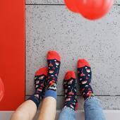 Kiedy myślimy o lutym, to mamy jedno skojarzenie - WALENTYNKI! ❤️ Jesteście ciekawi naszych walentynkowych skarpetek? Sprawdźcie online, są już dostępne 🙌🏻 . . . . #walentynki #valentines #socks #mismatched #mismatchedsocks #moresocks #skarpetkimore #serce #loveisintheair #love #loveyou #prezentdlaniej #prezentdlaniego #shoponline #para #couple #red