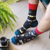 Dzisiaj robimy zdjęcia, dlatego 1.. 2.. 3.. uśmiech! Miłej soboty! 📸 . . . . #photooftheday #picture #socks #skarpetki #mismatchedsocks #mismatched #cotton #camera #aparat #sesjazdjeciowa #sesja #chlopak #facet #man #koloroweskarpety #moresocks #more #ilovesocks #more #weekend #weekendvibes